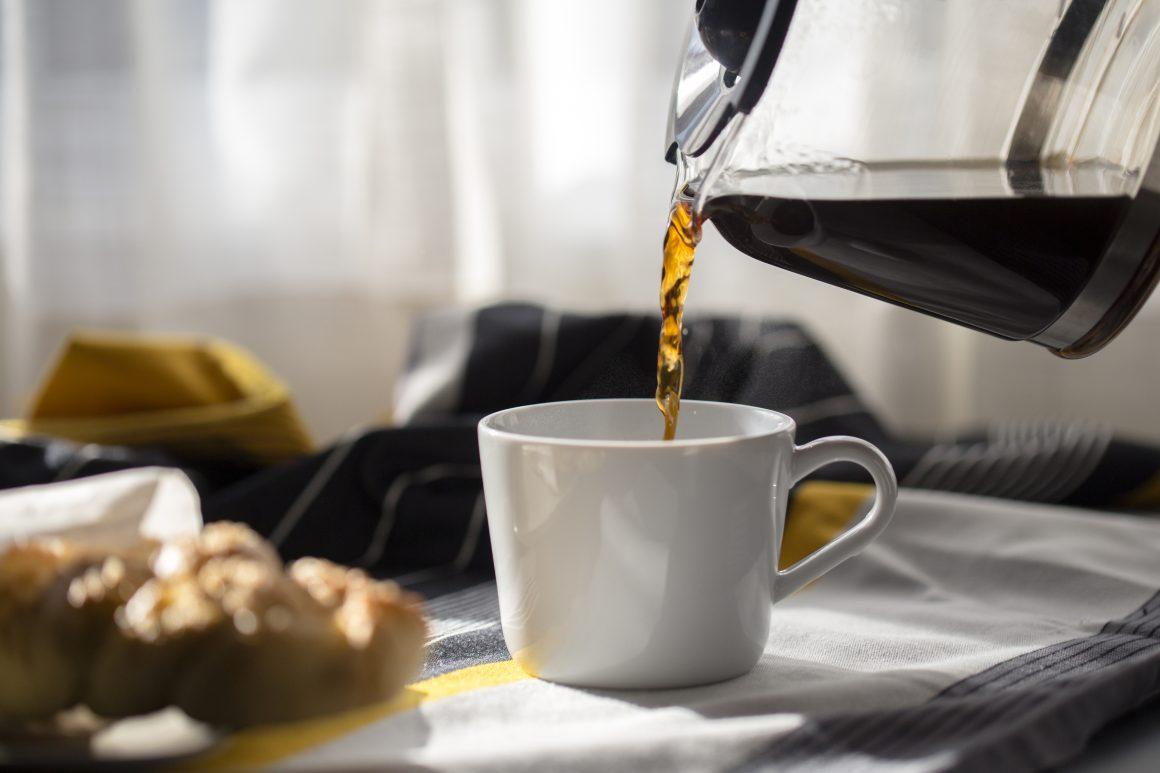 café agua embotellada